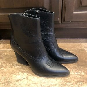 Donald Pliner Velle Waxy Leather Western Booties